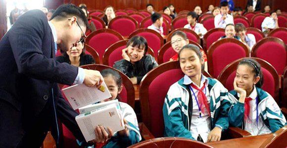 Tủ sách nhân ái tiếp tục trao sách tại Yên Thành – Nghệ An